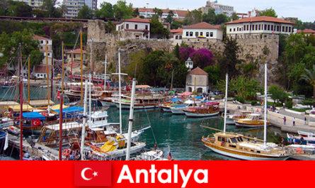 Törökország Antalya üdülőhely a Földközi-tenger partján