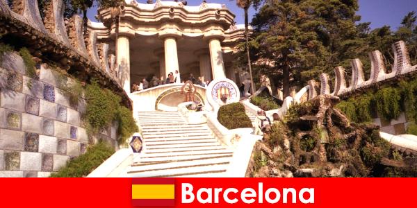 A legjobb kiemeli és látnivalók a turisták számára Barcelonában