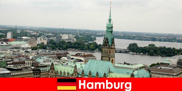 Utazás és szórakozás a Reeperbahnba Hamburg városában