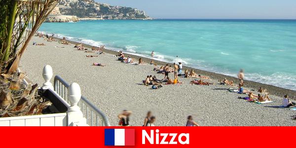 Szép gyönyörű strandok a francia Riviérán