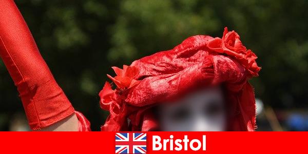 Hátizsákos megélhetést, mint utcai előadóművészek Bristolban