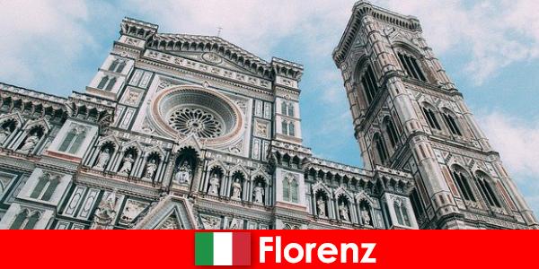 Firenze számos nagyvárosa művészettörténet vonzza a látogatókat a világ minden tájáról