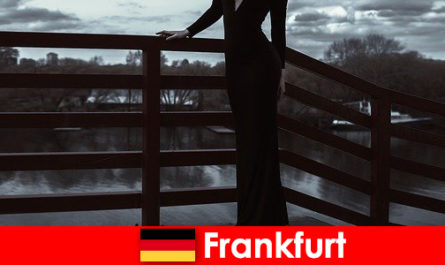 Érzéki menedzser elkíséri frankfurti am Main kényeztesse ügyfeleiket tetőtől talpig