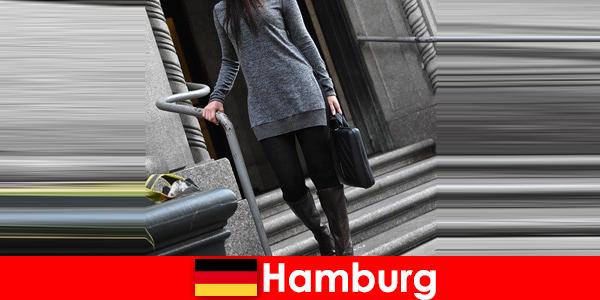 Elegáns hölgyek Hamburgkényezteti utazók exkluzív diszkrét escort szolgáltatás