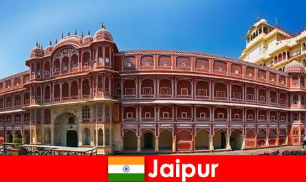 A legkülönlegesebb építészet sok nyaralót vonz Jaipurba