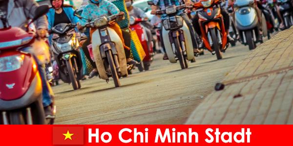 Ho Si Minh város kerékpárosok és sportrajongók turisták mindig öröm