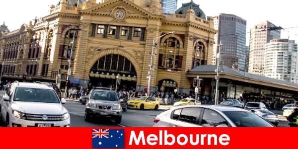 Melbourne legnagyobb szabadtéri piaca a déli féltekén egy találkozóhely az idegenek számára