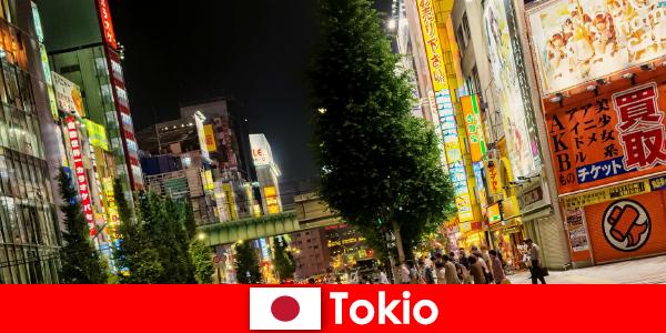 Modern épületek és ősi templomok teszik felejthetetlenné Tokiót a külföldiek számára