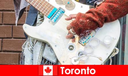 Idegenek szeretik Toronto annak kozmopolitizmus a zenei élet minden kultúra