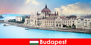Budapest gyönyörű városa sok látnivalóval a turisták számára