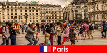 A legtöbb idegen azért jön Párizsba, hogy megismerje egymást.