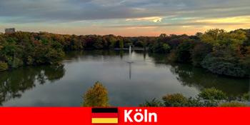 Természetjárás erdei hegyeken és tavakon keresztül Köln Németország natúrparkjaiban
