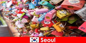 Utazás a felfedezés idegenek a divatos utcáin Szöul Koreában
