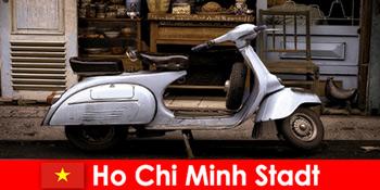 Ho Chi Minh City Vietnam kínál nyaralók moped túrák a nyugi utcákon