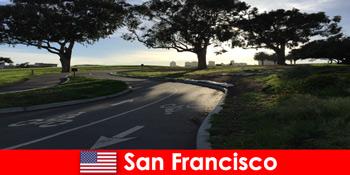 Felfedező túra külföldiek kerékpárral a San Francisco Egyesült Államokban