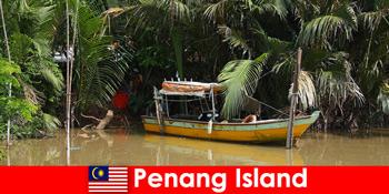 Hosszú távú utazás túrázók számára a Penang-sziget malajziai dzsungelén keresztül