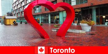 Toronto Kanada, mint egy színes város tapasztalat külföldi vendégek, mint a multikulturális metropolisz