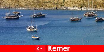 Kalandtúra hajóval Kemer Törökországban szerelmes pároknak és családoknak
