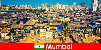 Mumbai Indiában az utazók megtapasztalják ennek a csodálatos városnak az ellentéteit