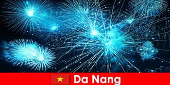 Mivel Nang vietnami turisták tapasztalat lélegzetelállító firehows vacsorára