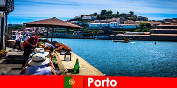 Cél rövid szünetek a nagy hal éttermek a kikötőben Porto Portugália