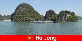 Több napos körutazások túra csoportok nagyon népszerű Ha Long Vietnam