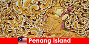 A kulturális turizmus sok külföldi látogatót vonz a Malajziai Penang-szigetre